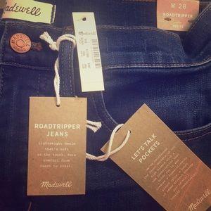 PETITE Madewell Roadtripper Jeans in Jansen wash.